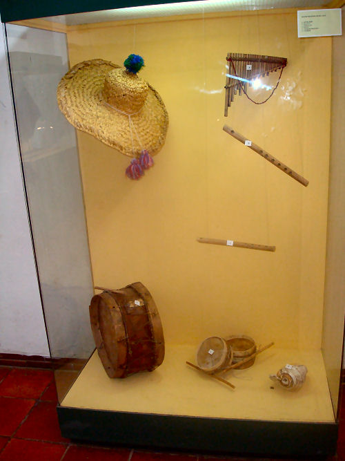 Musical instruments of the Incas displayed at Incapirca