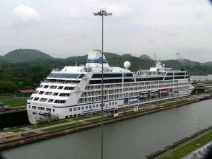 Cruise Ship in the locks
