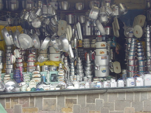 Stall selling cooking pots...aluminum, of course