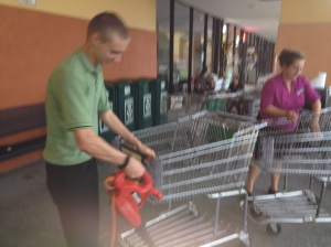 Blow Drying a Shopping Cart!!!