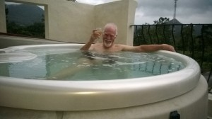 Good for those aching bones..hot tub in El Valle