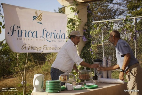 Finca Lerida served coffee and cake for players
